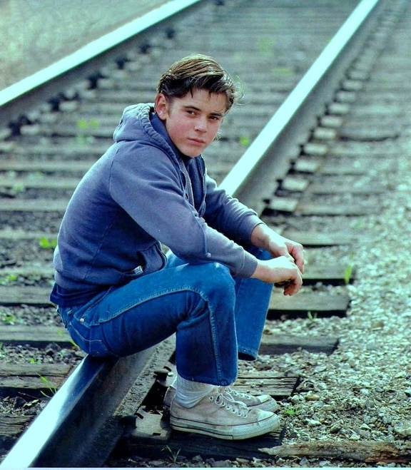 The-Outsiders-c-thomas-howell-8060638-1109-1269
